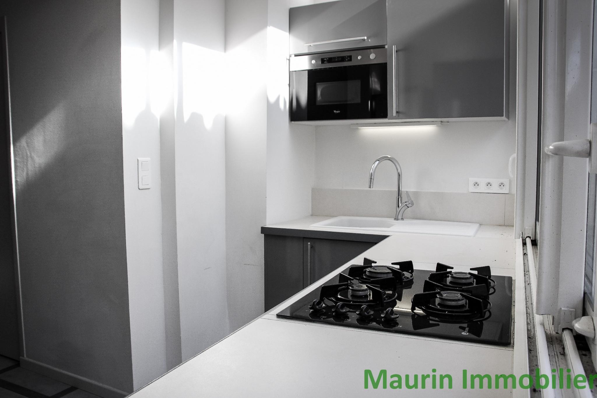 vente appartement avec loggia a puget theniers. Black Bedroom Furniture Sets. Home Design Ideas